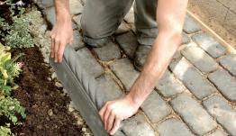 Установка садового бордюра